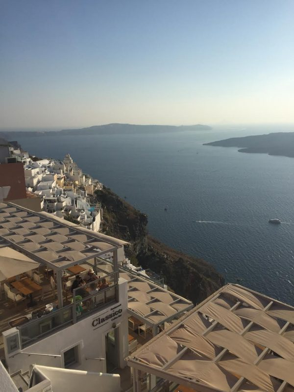 A Week in Santorini | Greta Hollar - A Week in Santorini Travel Diary by Nashville travel blogger Greta Hollar