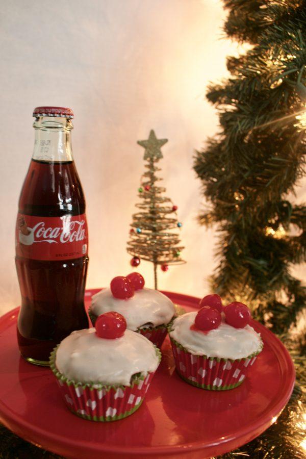 Christmas Coca-Cola Cupcakes | Greta Hollar