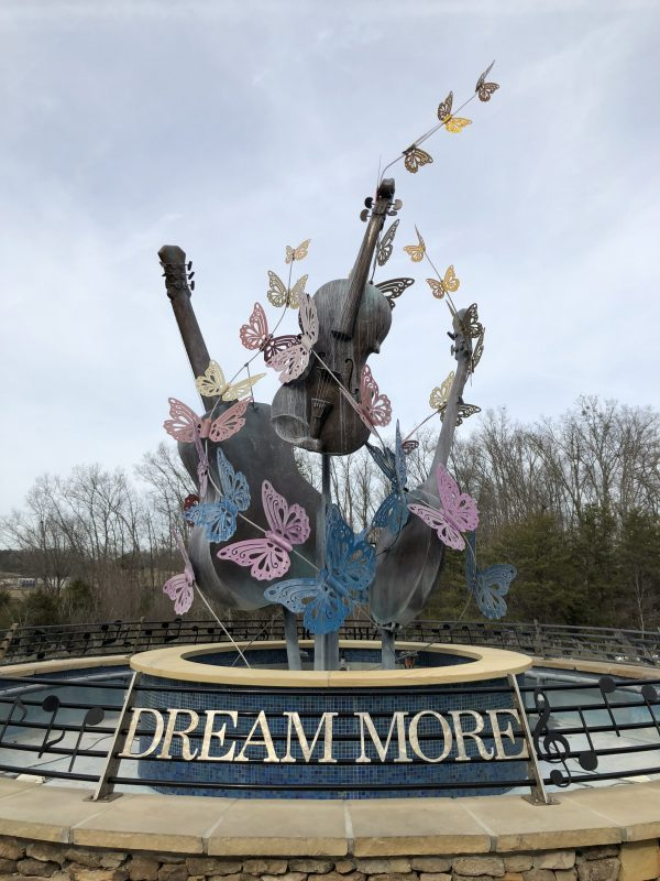 Your Guide to a Girl's Weekend in Pigeon Forge | Greta Hollar - Girl's Weekend: Things to Do in Pigeon Forge by popular Nashville travel blogger Greta Hollar