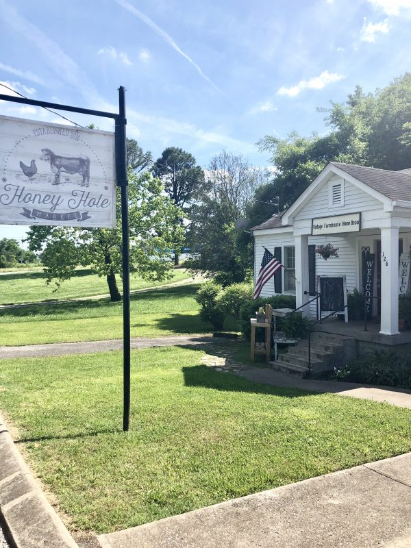 A Day Trip to Charming Sumner County, TN | Greta Hollar - A Day Trip to Charming Sumner County, TN featured by popular Nashville travel blogger, Greta Hollar