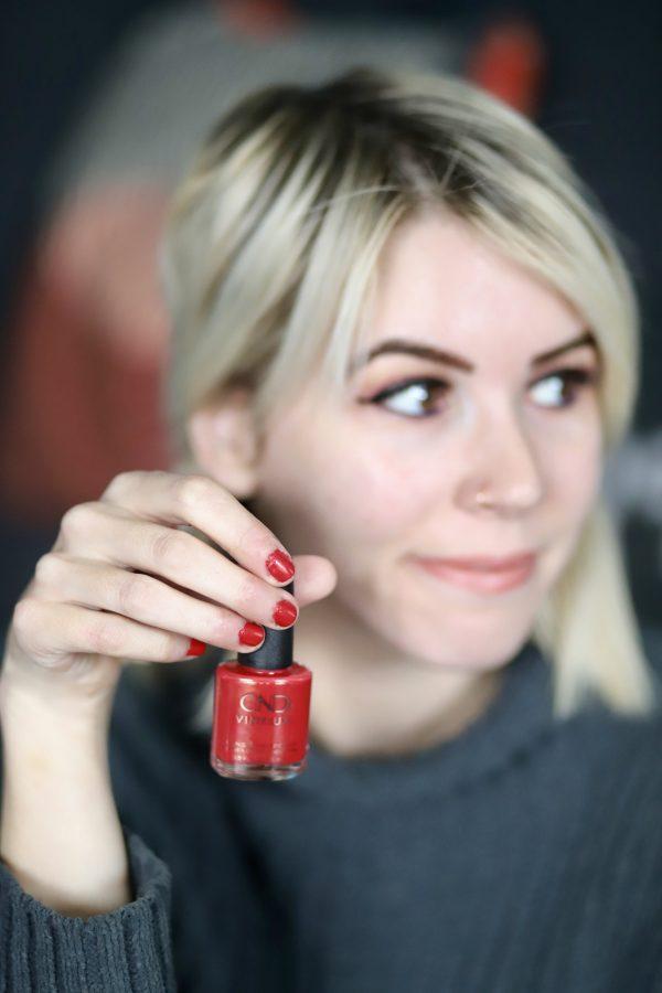 Festive Fall Manicure Idea | Greta Hollar