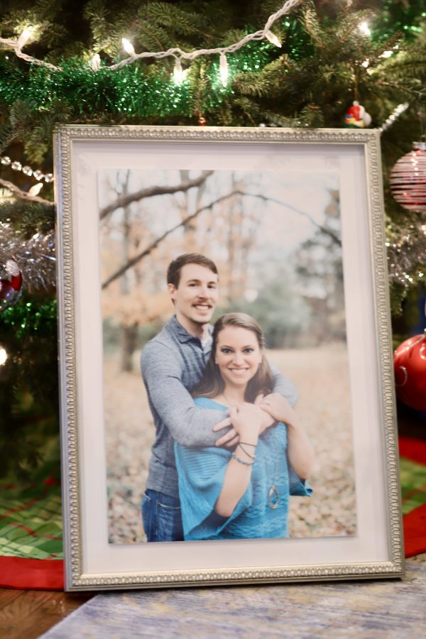 The Perfect Holiday Gifts with Framebridge | Greta Hollar
