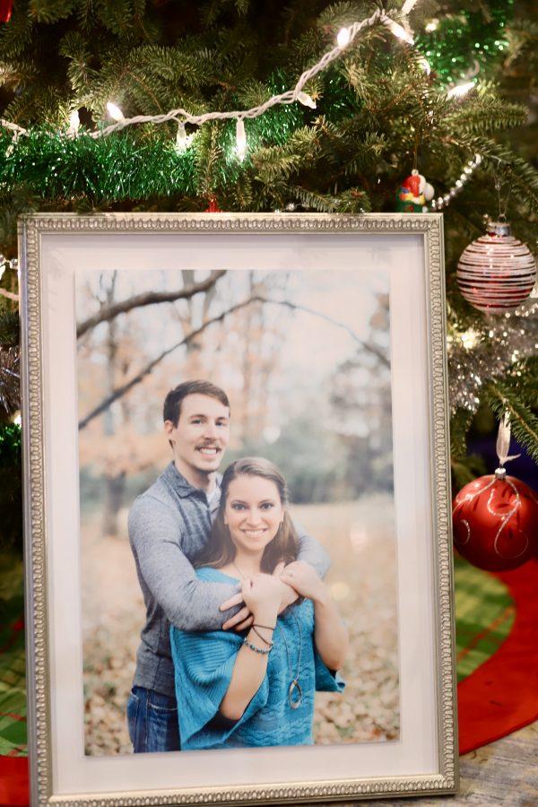 The Perfect Holiday Gifts with Framebridge | Greta Hollar