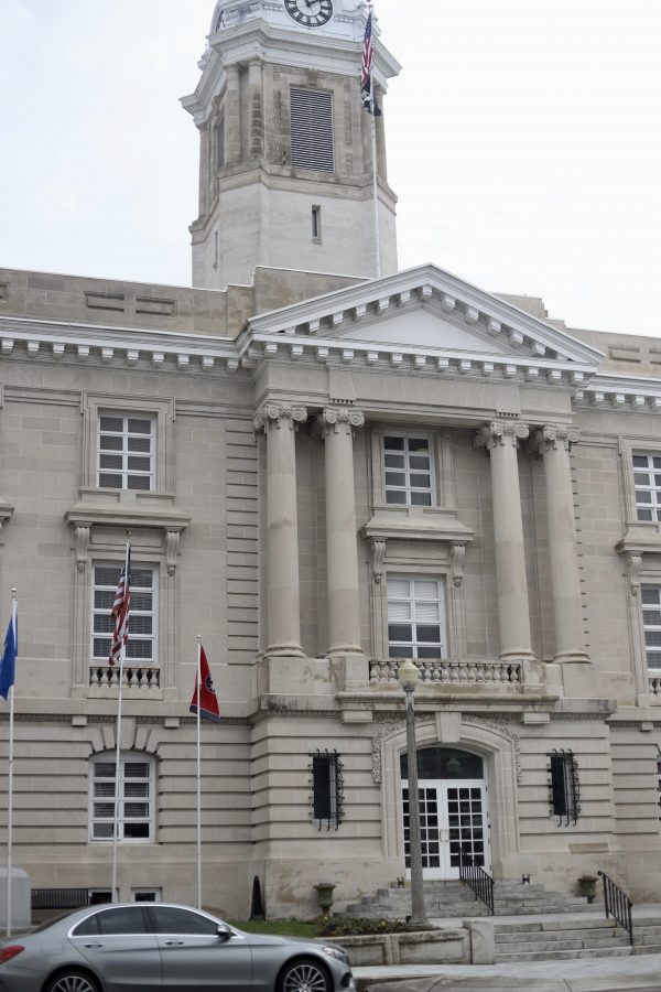A Day Trip to Columbia, TN | Greta Hollar | Day Trips from Nashville TN: A trip to Columbia TN by popular Nashville blogger, Greta Hollar: image of Columbia TN square.