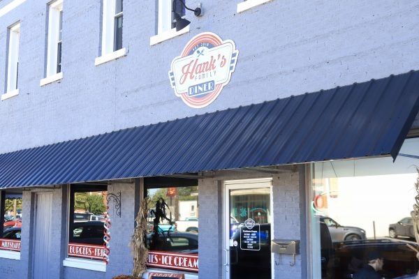 A Couples Getaway to Hohenwald, TN | Greta Hollar | A Couples Getaway: Things to do in Hohenwald TN by popular Nashville travel blogger, Greta Hollar: image of Hank's Family Diner.