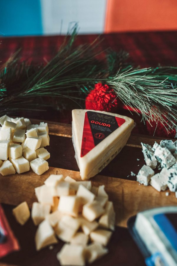 Best Wine and Cheese Pairings for the Holidays | top US lifestyle blogger, Greta Hollar