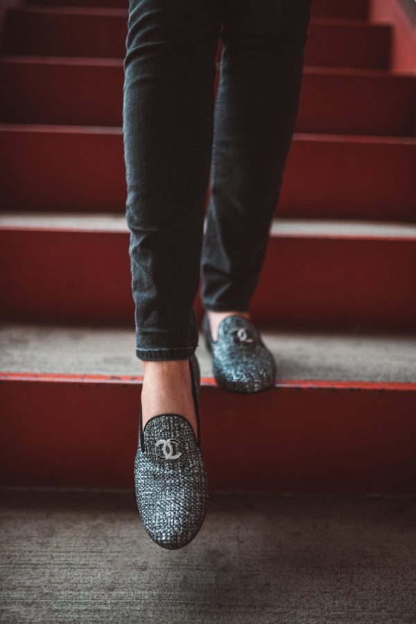How to Get Your Wardrobe Ready for NYFW | Greta Hollar | Top 5 Designer Consignment Websites to Buy Your Favorite Second Hand Designer Items by popular Nashville tall fashion blogger, Greta Hollar: image of a woman wearing Channel flats.