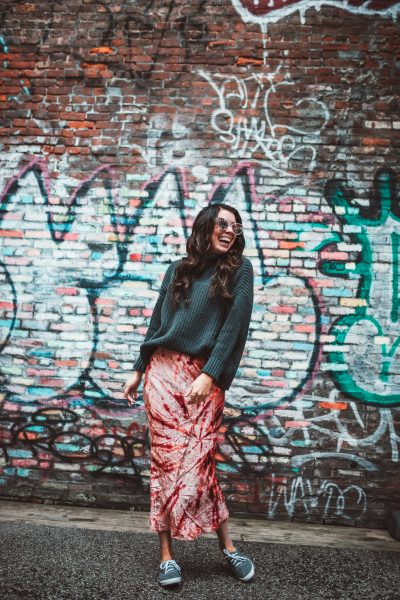 How to Wear the Tie Dye Trend this Spring: 5 Creative Ways | Greta Hollar