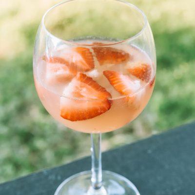 Summer Cocktail Ideas: Light & Refreshing Rosé Cocktail   Greta Hollar