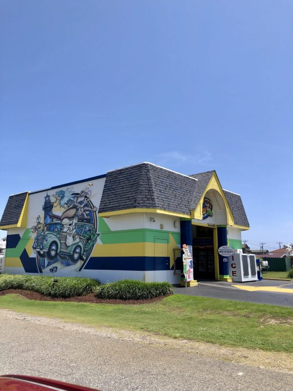 COVID Travel: The Best Things to Do Outer Banks, NC When Social Distancing   Greta Hollar    Outer Banks NC by popular Nashville travel blogger, Greta Hollar: image of Th Brew Thru.
