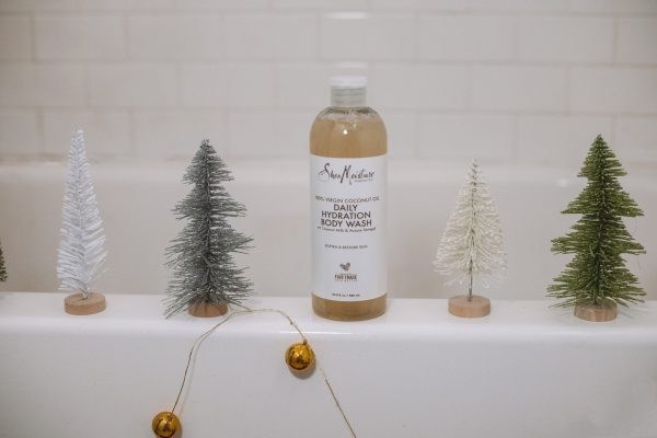 How to Have a Holiday-Themed Spa Night at Home | Greta Hollar