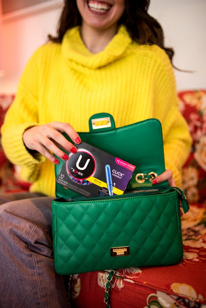 What's In My Purse: 5 Things I Always Have on Hand | Greta Hollar