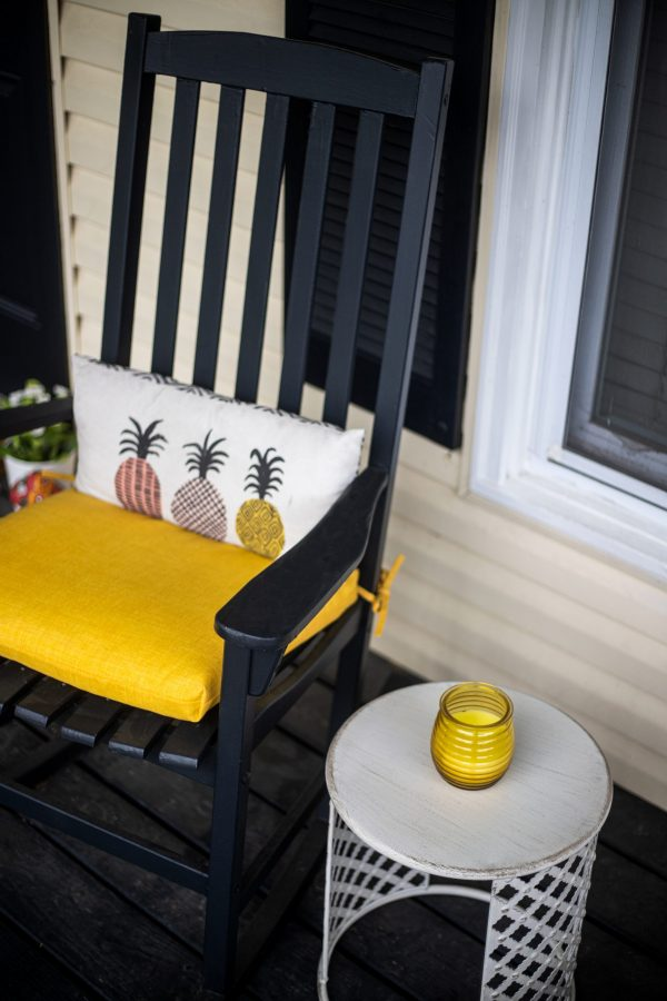 Spring Porch Decor Ideas | Greta Hollar