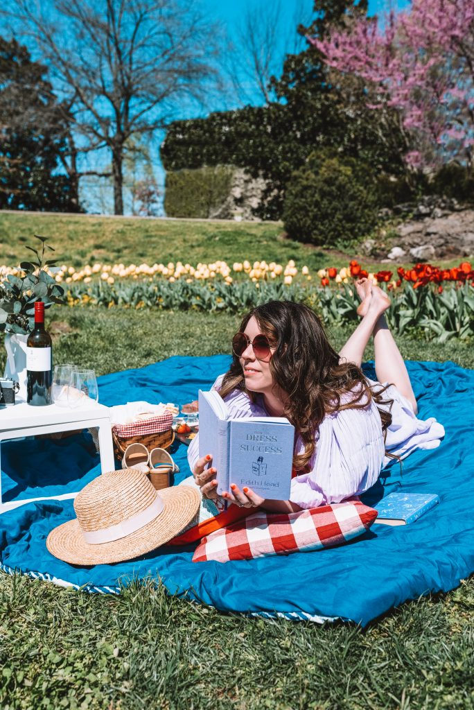 Spring Style: What to Wear for a Picnic Date at the Park | Greta Hollar