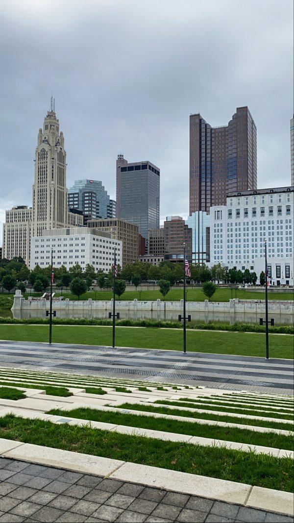 48 Hours in ColumbusOhio: a Complete Travel Guide | Greta Hollar | Greta Hollar | Columbus Ohio Travel Guide by popular Nashville travel blogger, Greta Hollar: image of the Columbus Ohio skyline.